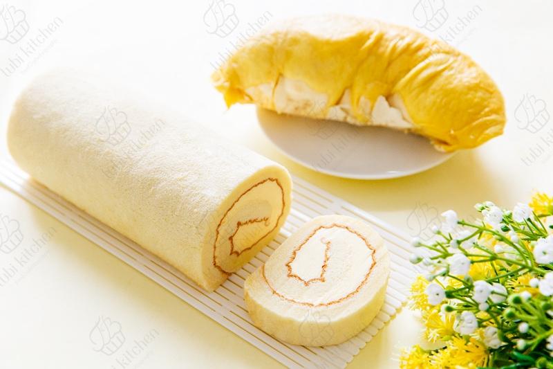 Bánh bông lan cuộn kem bơ sầu riêng
