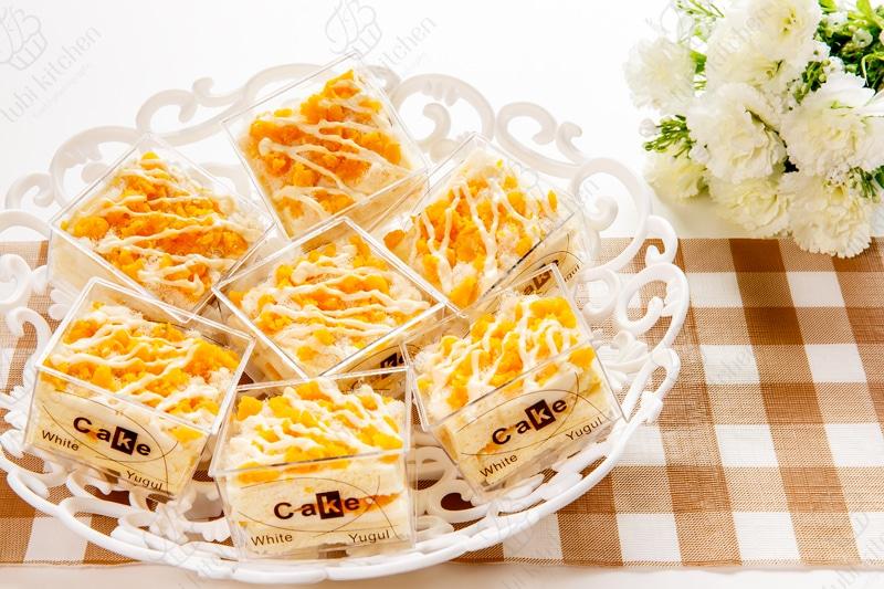 Bánh bông lan sốt phô mai trứng muối mini