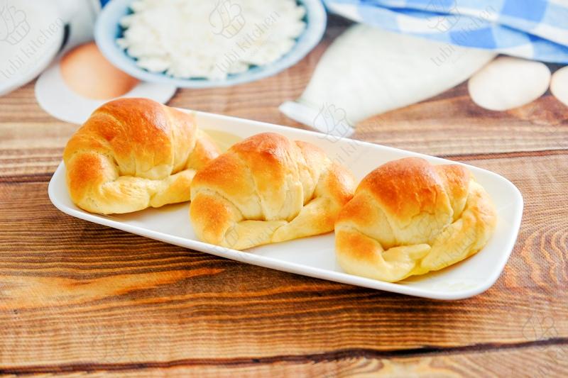Bánh mì cua sữa