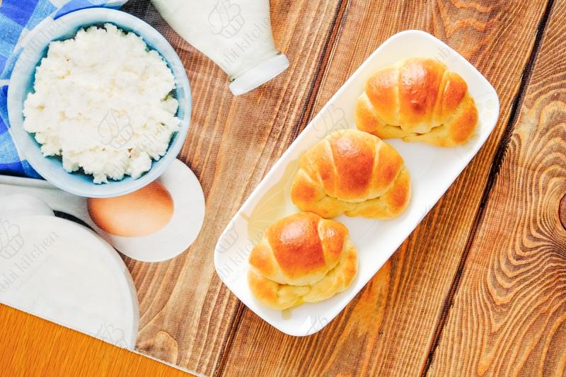 Bánh mềm xốp và được tạo dáng hình con cua nhỏ xinh nên cực kỳ thu hút các bé nhỏ