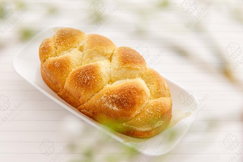 Bánh mì hoa cúc (Brioche)