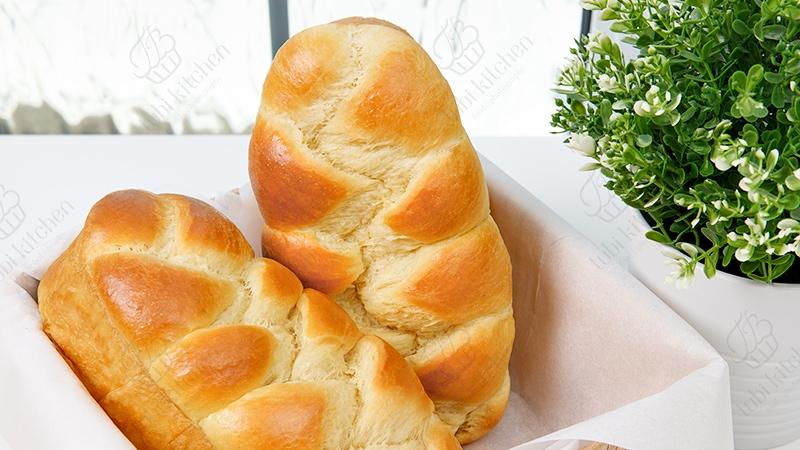Vai trò và nguyên tắc phối hợp nguyên liệu làm bánh mì hoa cúc (Brioche)