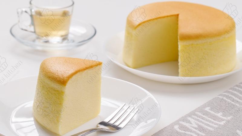 Cốt bánh cực kỳ mềm mịn hòa quyện với mùi thơm của phô mai bơ sữa