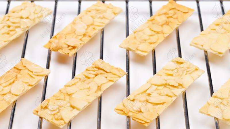 TBK-000 Học làm bánh online miễn phí cùng TuBi Kitchen - Bánh hạnh nhân lát vị truyền thống